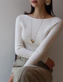 Off-golji knit