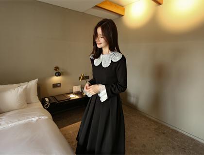 Petal collar dress