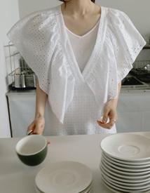 Lian v-neck sleeveless