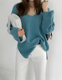 Clan v-neck knit