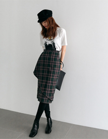 Loban check skirt