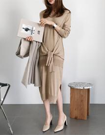 Tie-up knit dress