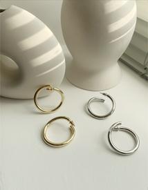 Vent ring earring