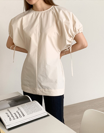 Puff string blouse