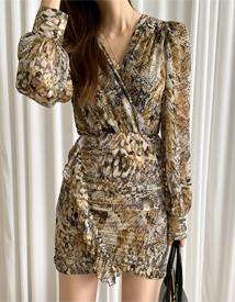 Pattern shirring dress