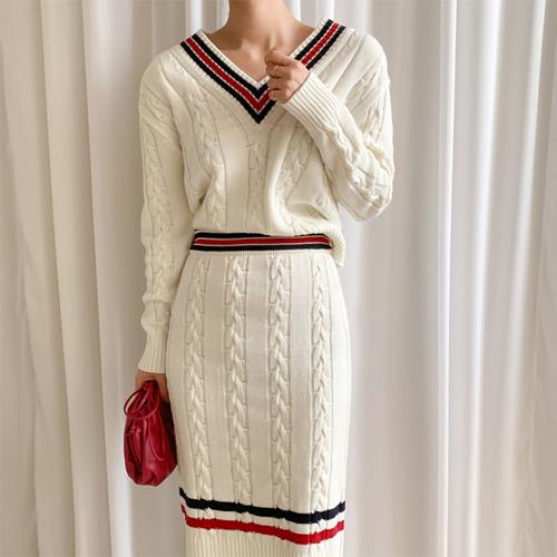 Modern classic knit set