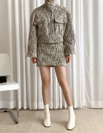 Last tweed skirt
