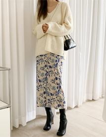 Button flower skirt