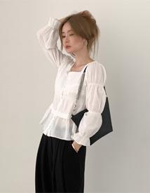 Girlish square neck blouse