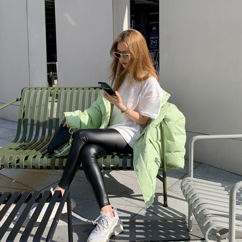 Warm fake leather leggings