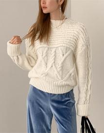 Sarah twist knit