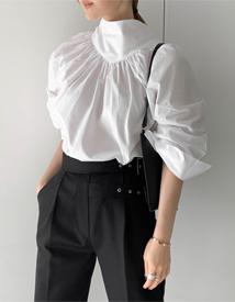 Shirring back ribbon blouse