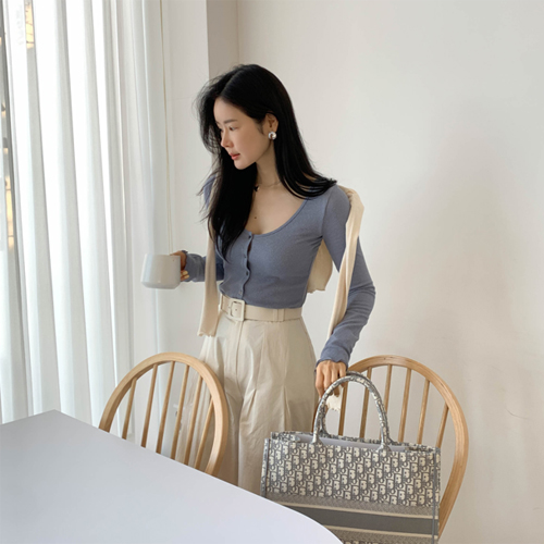 Wave cupping cardigan