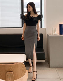 Gorgeous slit skirt