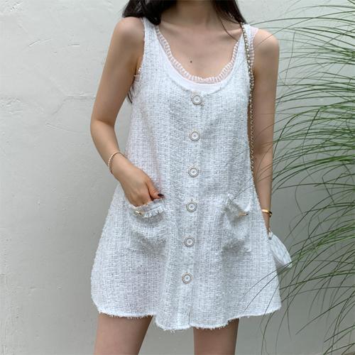 Mono lace sleeveless