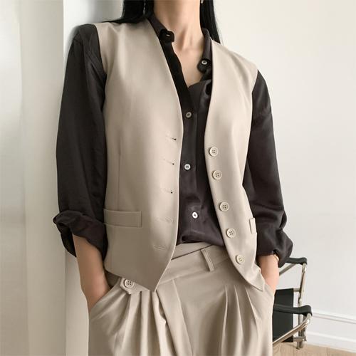 Formal line vest