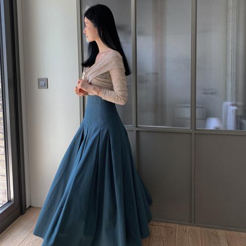 Pintuck full skirt