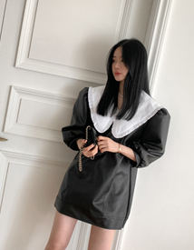 Bigcollar leather dress