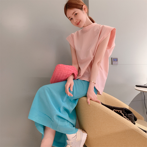 Drop sleeveless blouse
