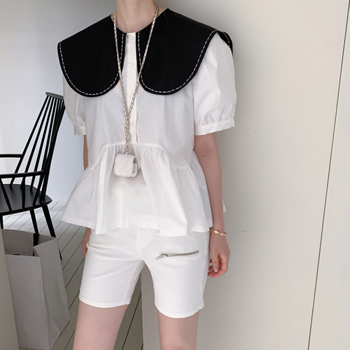 Bean collar blouse