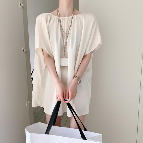 Back-ribbon satin dress
