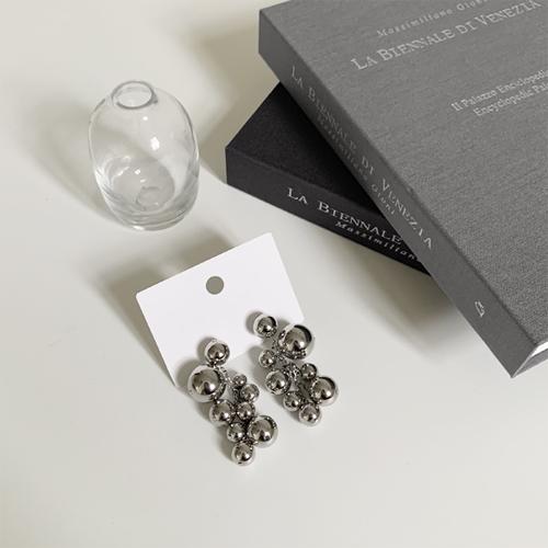 Ball chain earring